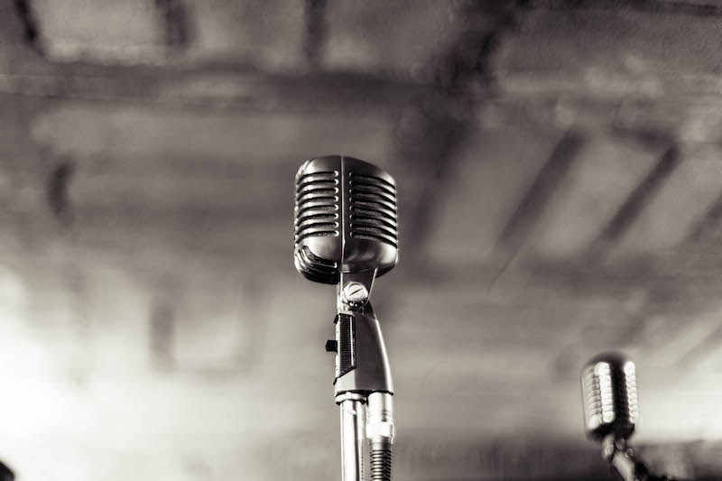 Microphone on Stage: The Voice of User Testing